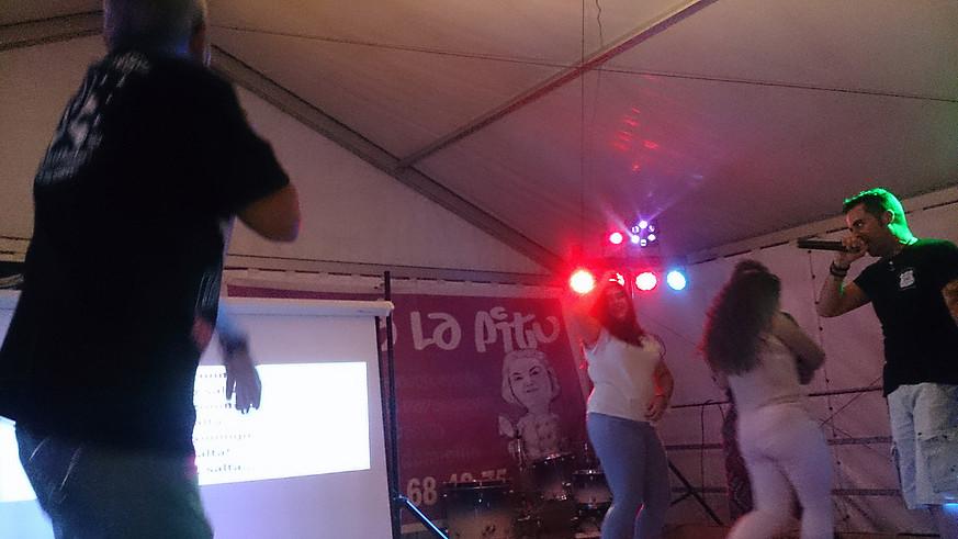 gal-karaoke-4